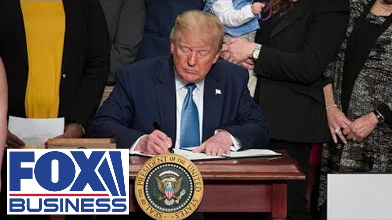 Trump-signs-exec-orders-to-cut-red-tape-for-taxpayers-and-small-businesses