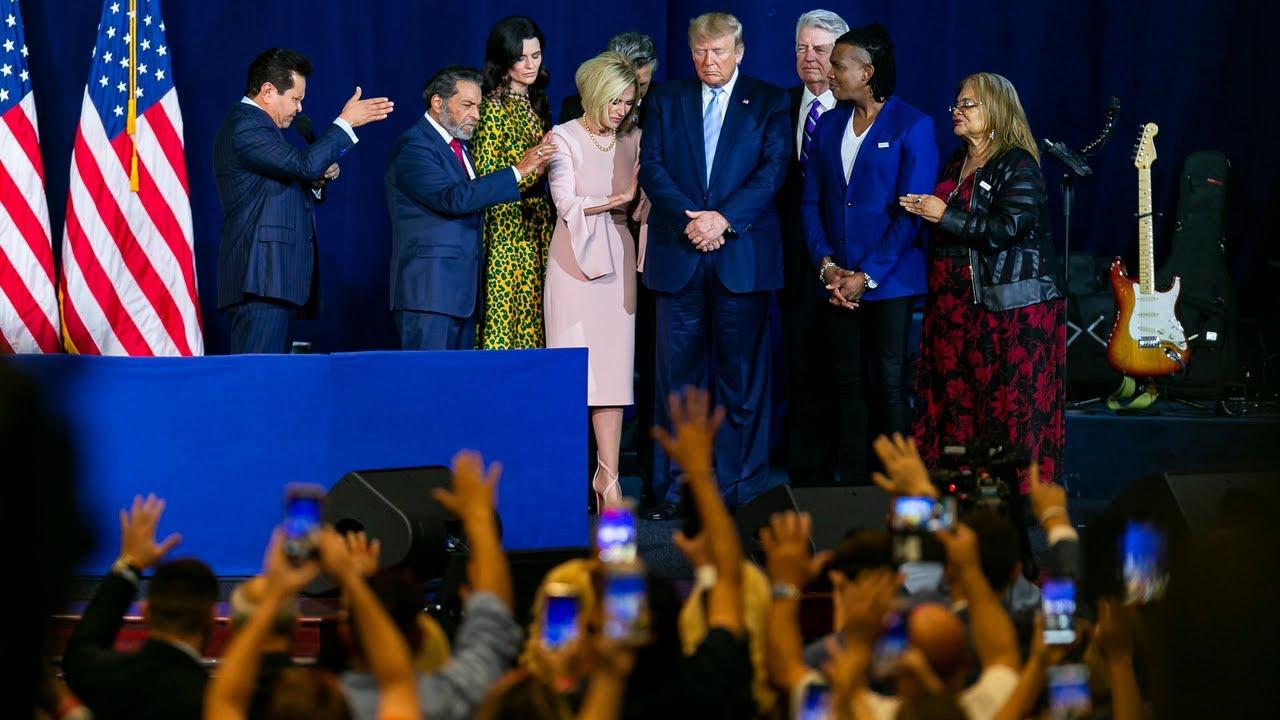 Guillermo-Maldonado-prays-for-President-Donald-Trump-during-Evangelical-rally-in-Miami