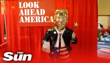 Massive-golden-statue-of-Donald-Trump-delights-crowds-at-CPAC